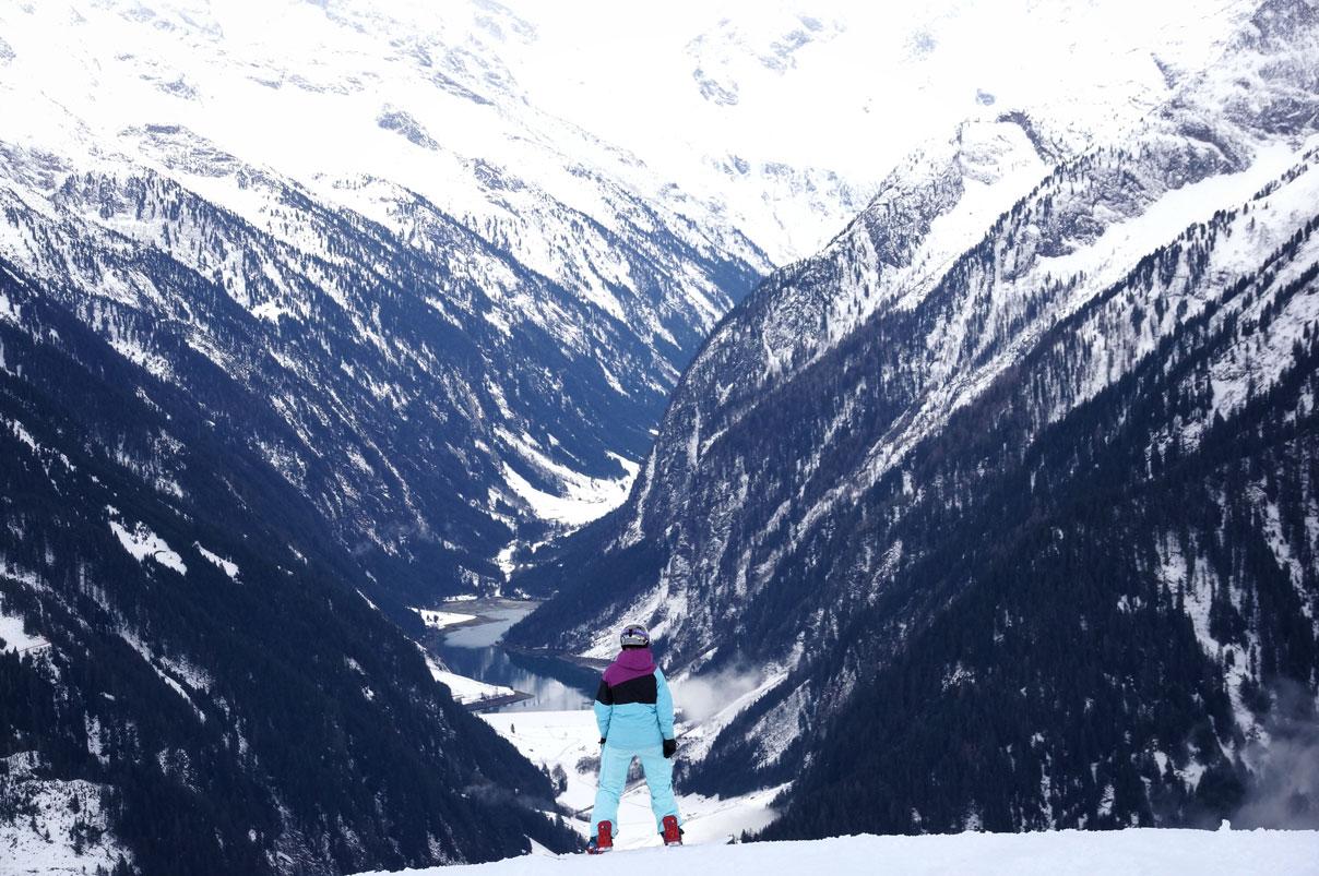 Munichmountaingirls_Zillertal-Snowboarden_Gesa-Temmen_Snowboard-und-Wandertourentipps