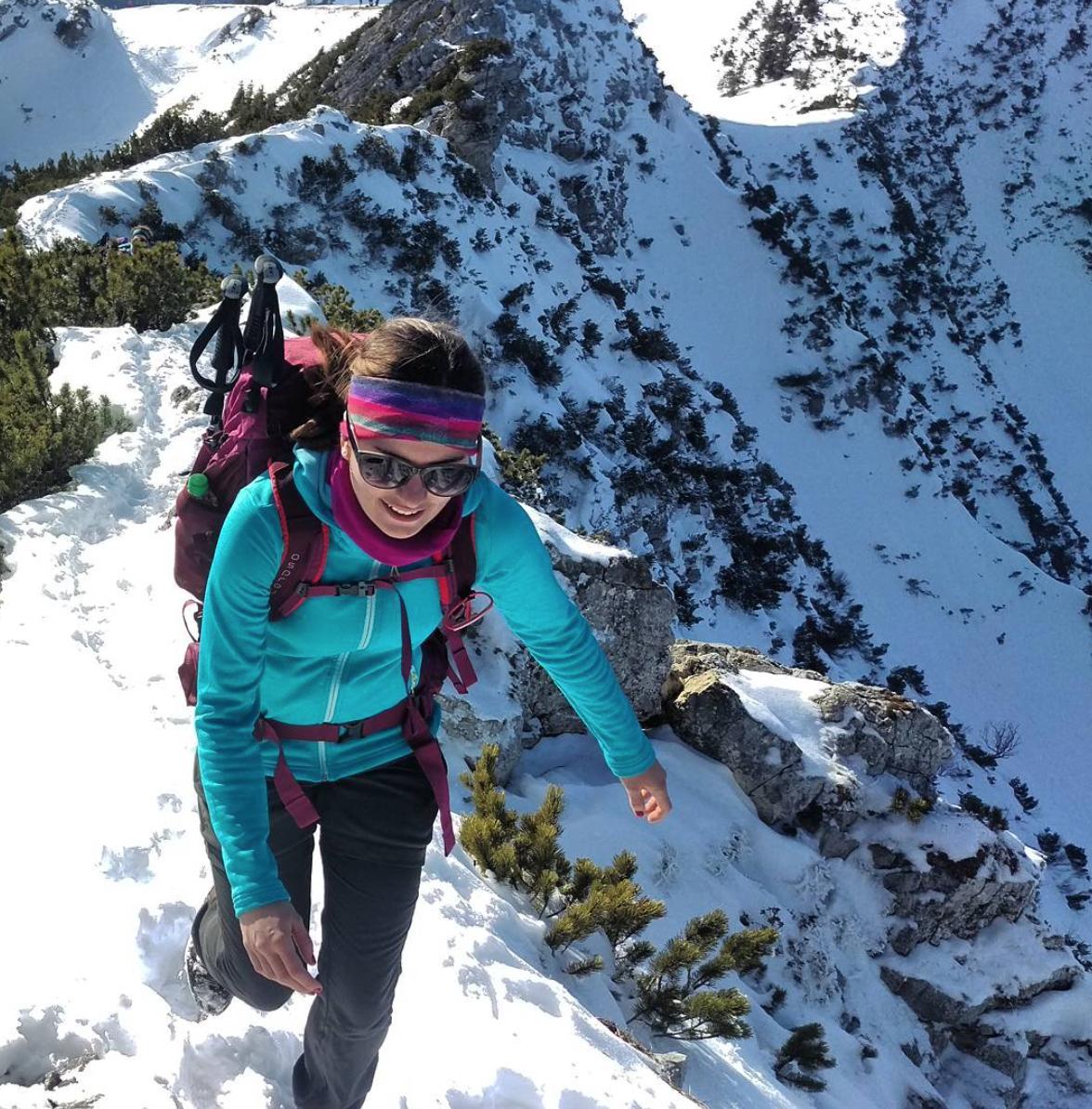 munichmountaingirls-connie-haas-wandern-wandertour-aiplspitz-schnee-winterwandern