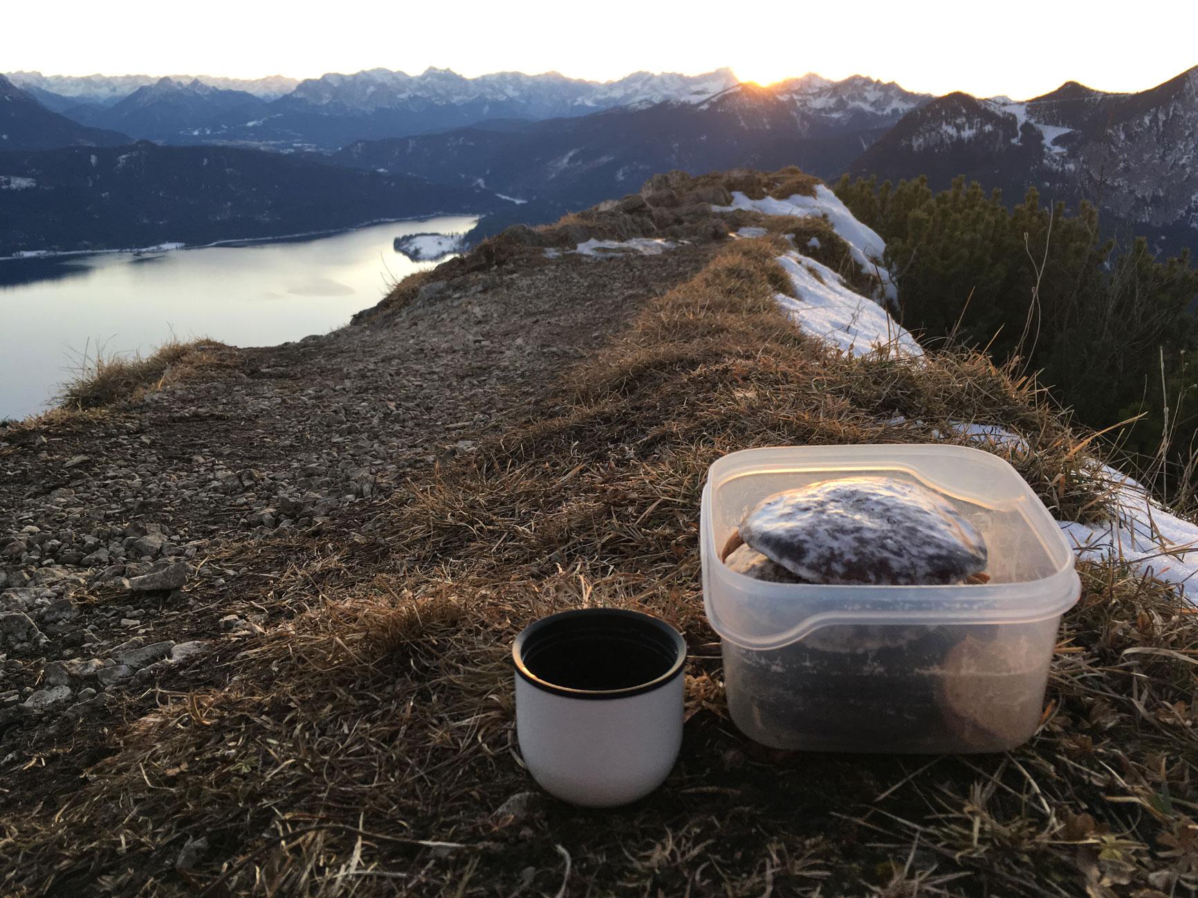 munichmountaingirls-bergblog-muenchen-julia-eisenhardt-wandern-karwendel-sonnenuntergang-jochberg-wandern