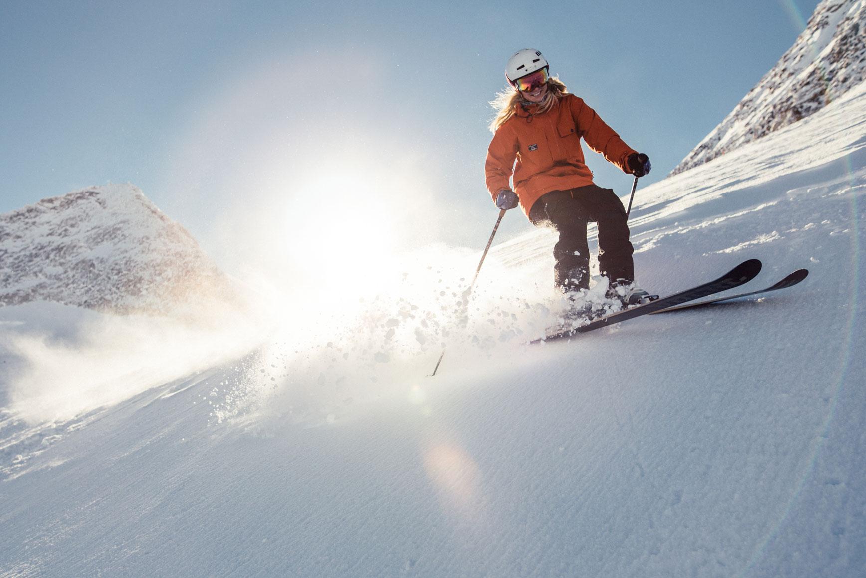 marta-sobczyszyn-skifahren-tux-julian-rohn-munichmountaingirls