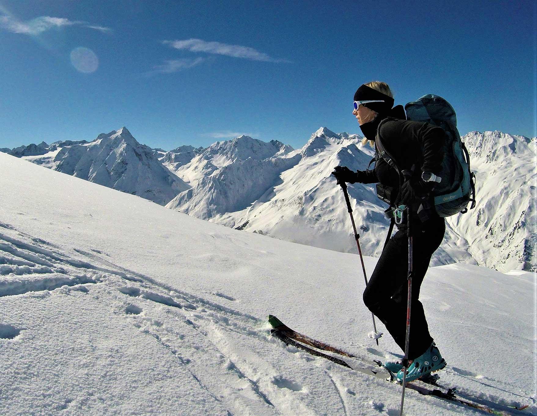 skitouren-sellrain-aufstieg-soemen-munichmountaingirls