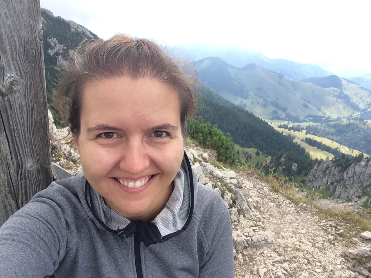 Bea-froehlich-Lacherspitze-gipfel-wandertour
