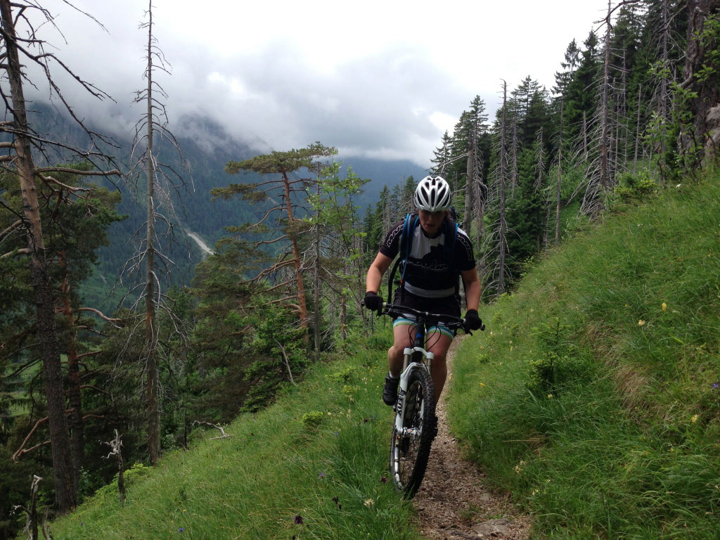 Carolin-Laska-munichmountaingirls-mtb-Bad-Hindelang-allgaeu