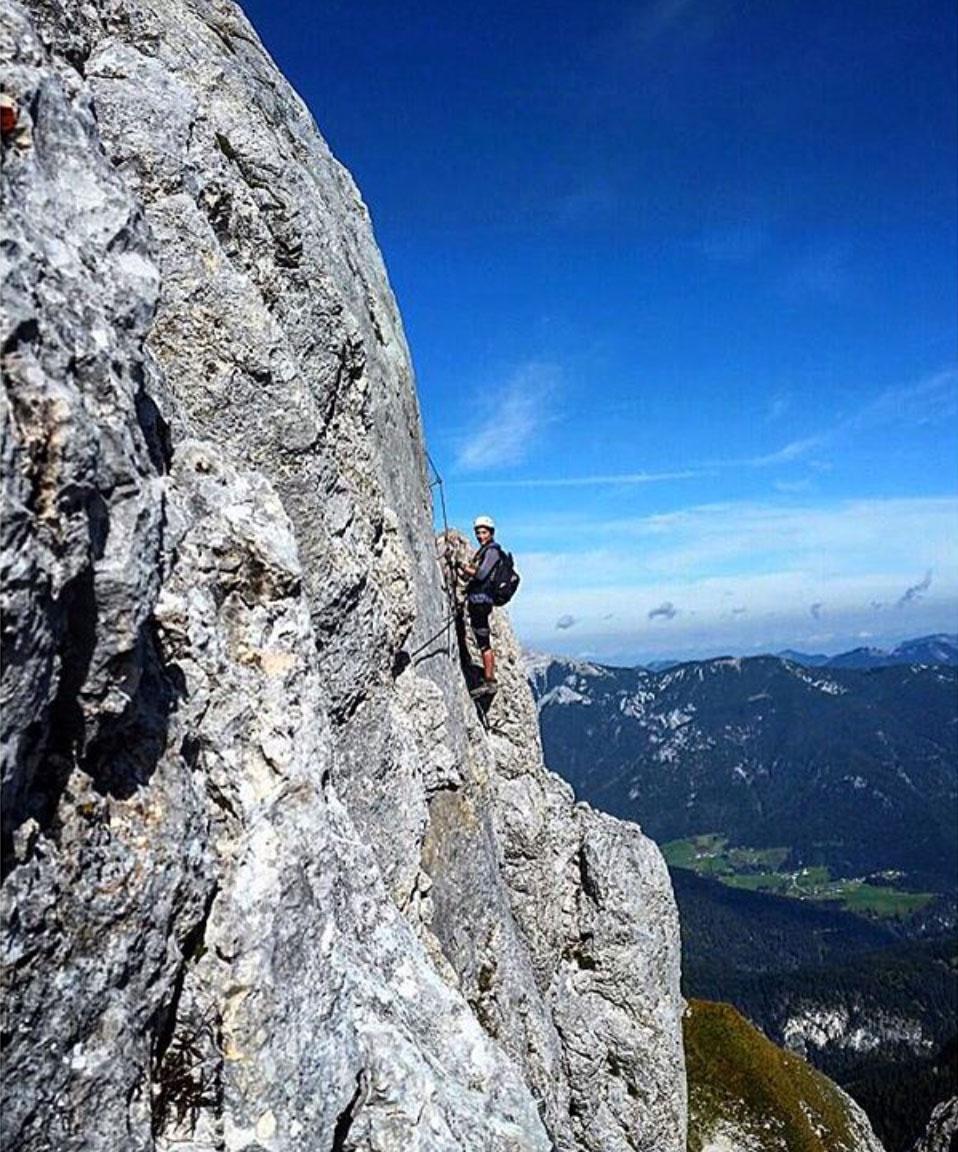 Roxy-hillebrand-munichmountaingirls-klettersteig-aussicht-berge-wandertour