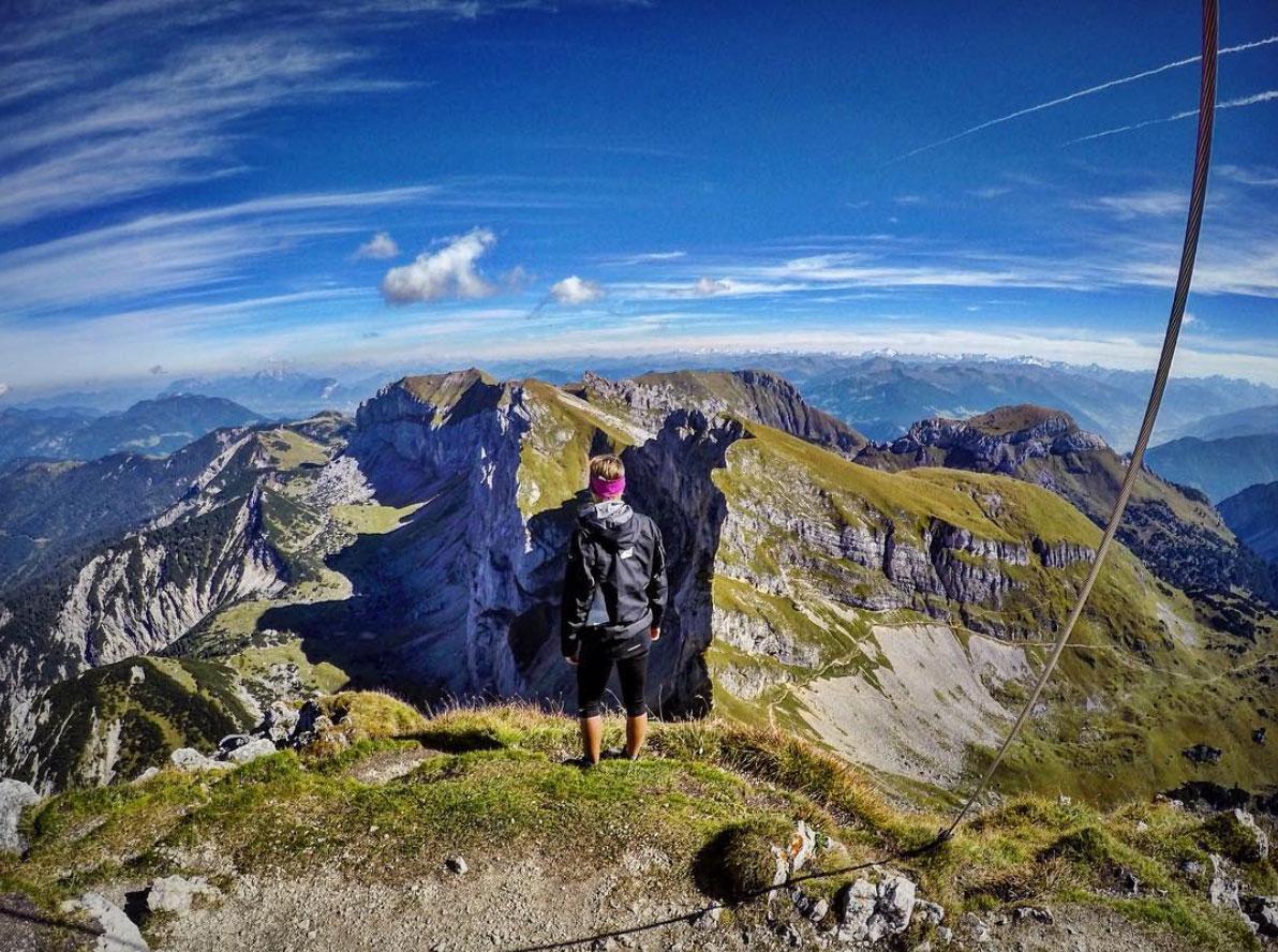 Roxy-hillebrand-munichmountaingirls-rofan-aussicht-berge-wandertour