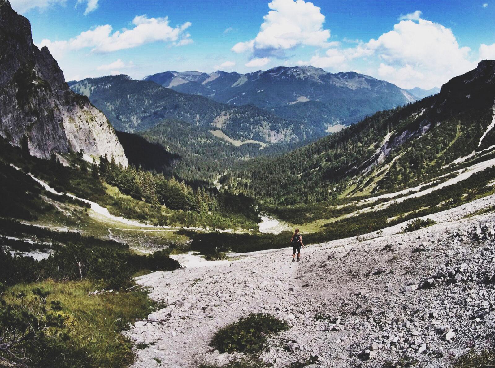 roxane-hillebrand-schinder-wandertour-bergtour-munichmountaingirls
