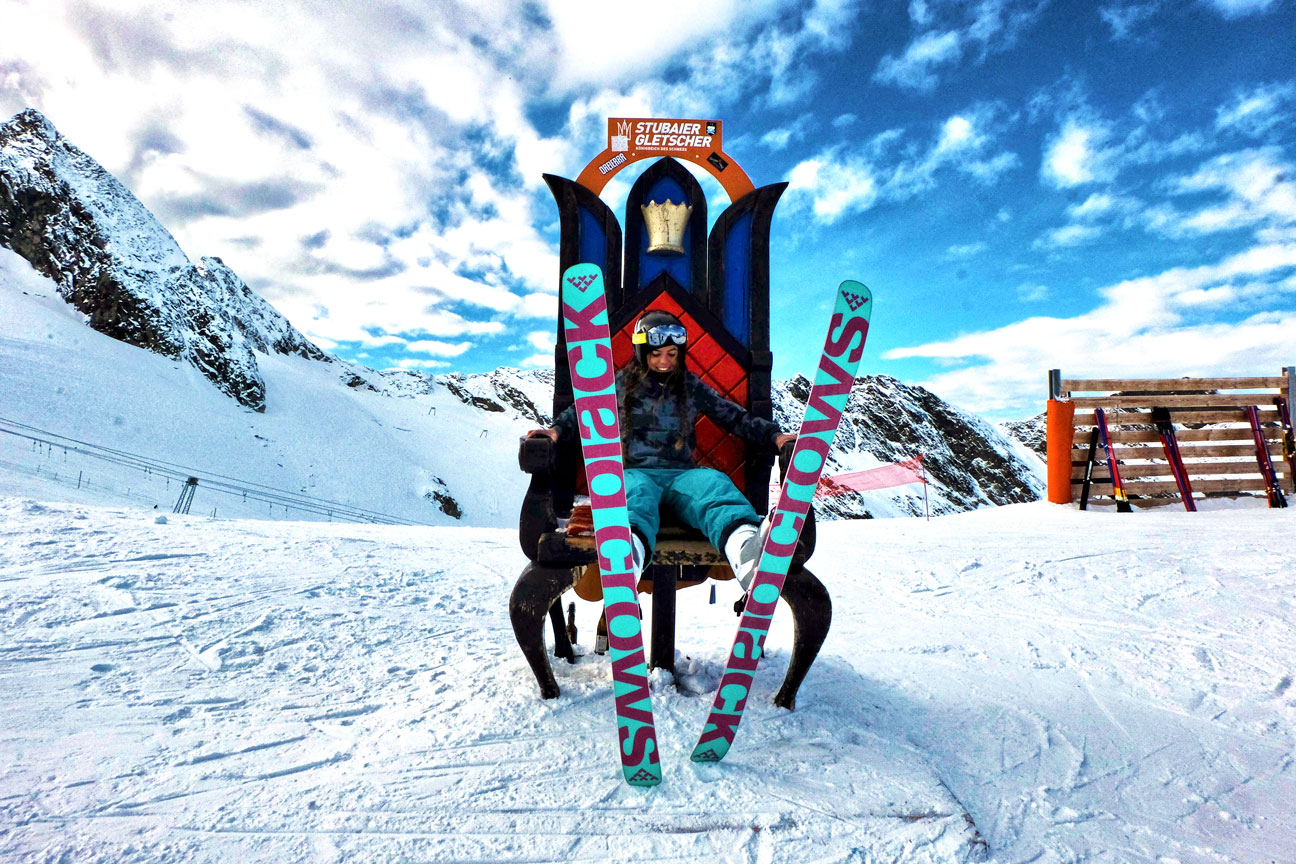 Marlene-Vey-munichmountaingirls-Blackcrows-skifahren-stubai