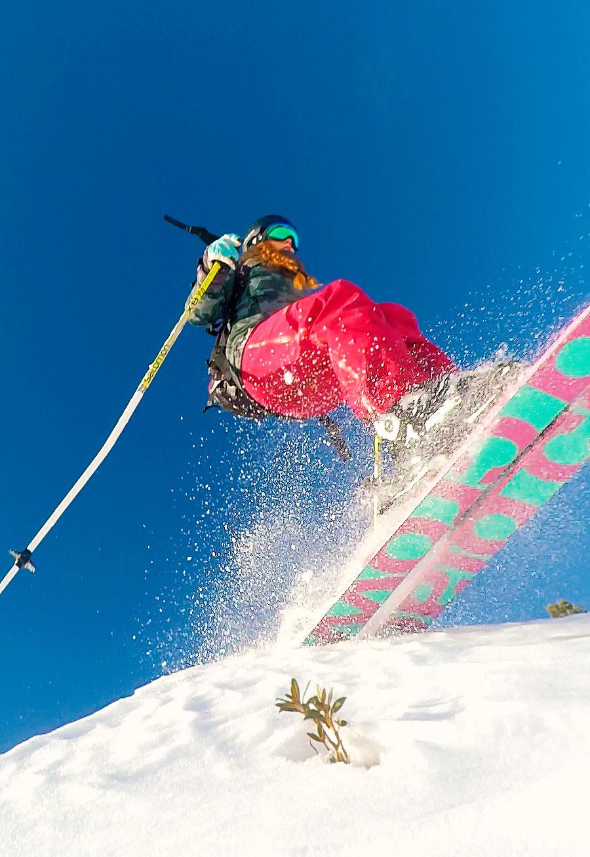 Marlene-Vey-munichmountaingirls-Skitour-Blackcrows-skis-action