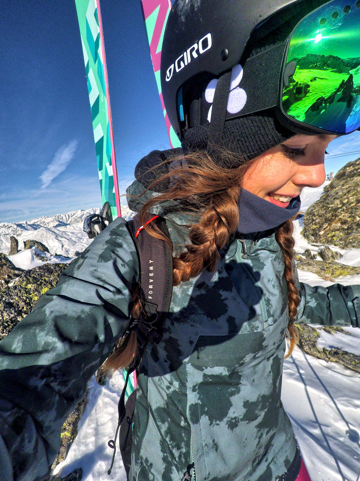 Marlene-Vey-munichmountaingirls-Skitour-Blackcrows-skis-forvert Skitouren und Freeriden