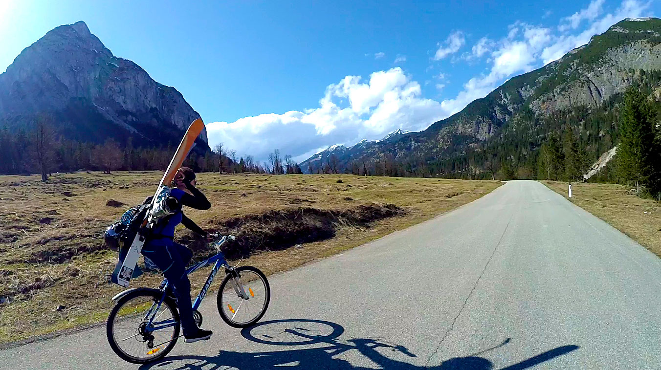 Marlene-Vey-munichmountaingirls-Skitour-Mountainbike-Hochglueckkar-Freeriden