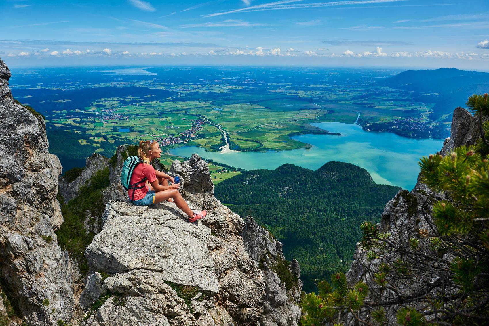 Michael_Reusse_Herzogstandgrat_munichmountaingirls-trailrunning-berglauf_Running_Caja-Schoepf