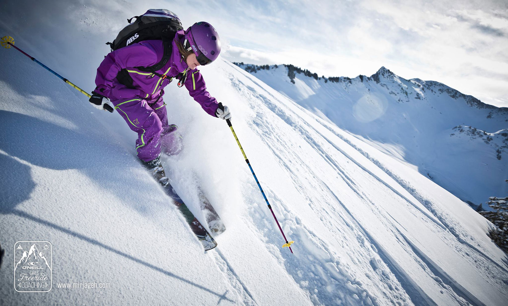 Freeriden Wandern Mountainbiken Powdern-Damuels-ski-freeriden-munichmountaingirls-katharina-kestler