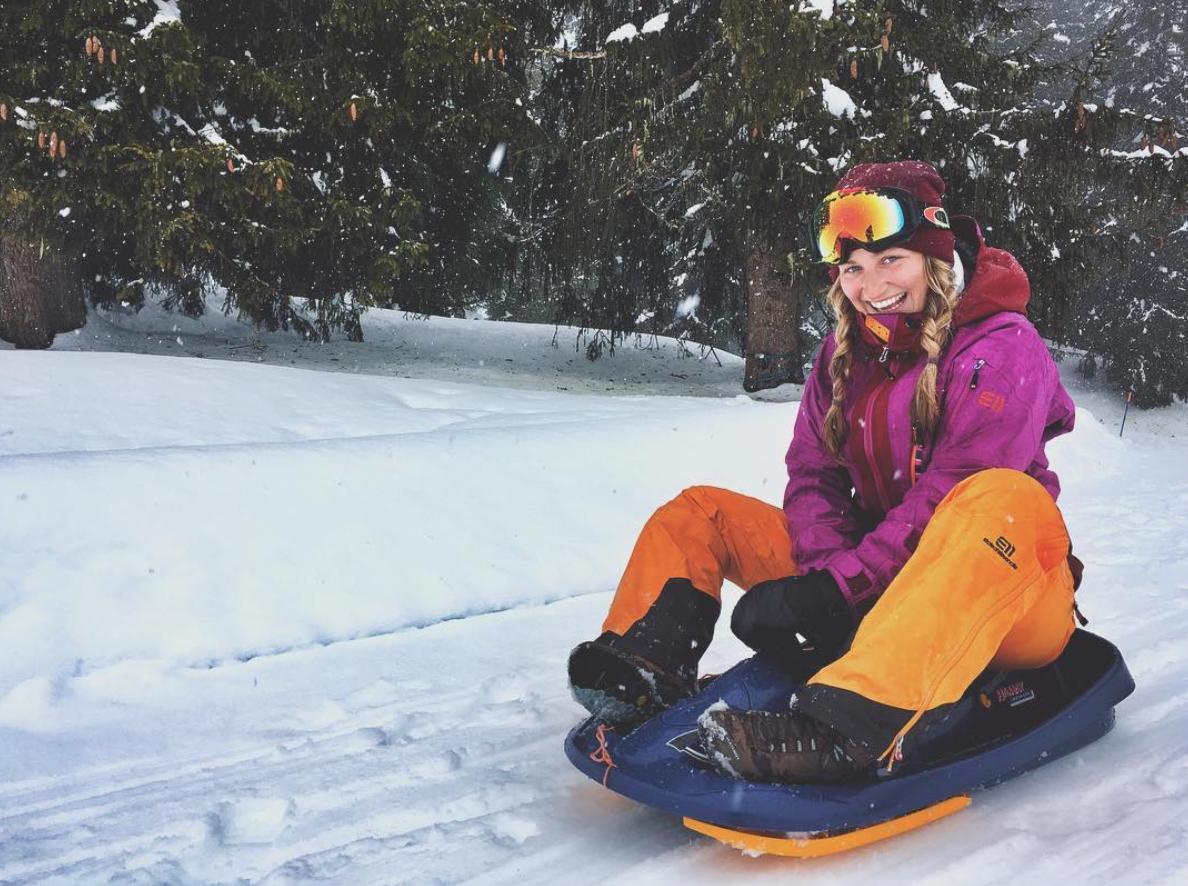 munichmountaingirls-evemuc-eva-schuler-ski-flims-laax-falera-schlitteln-schlittenfahren-bob
