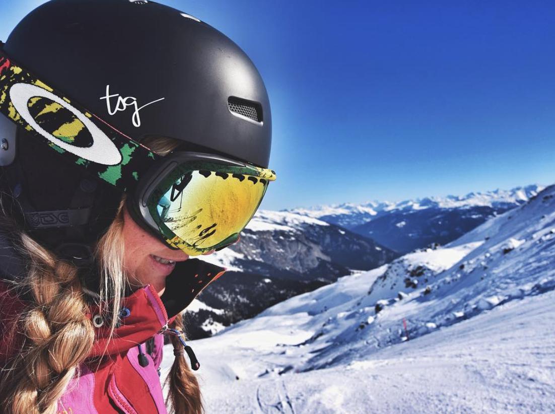 Wandern Skifahren Evemuc munichmountaingirls-evemuc-eva-schuler-ski-flims-laax-falera-skifahren-berge-winter