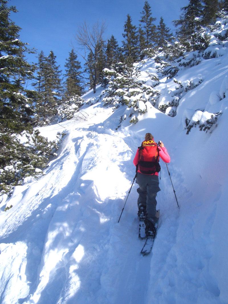 wildandfit-skitour-heimgarten-aufstieg-munichmountaingirls