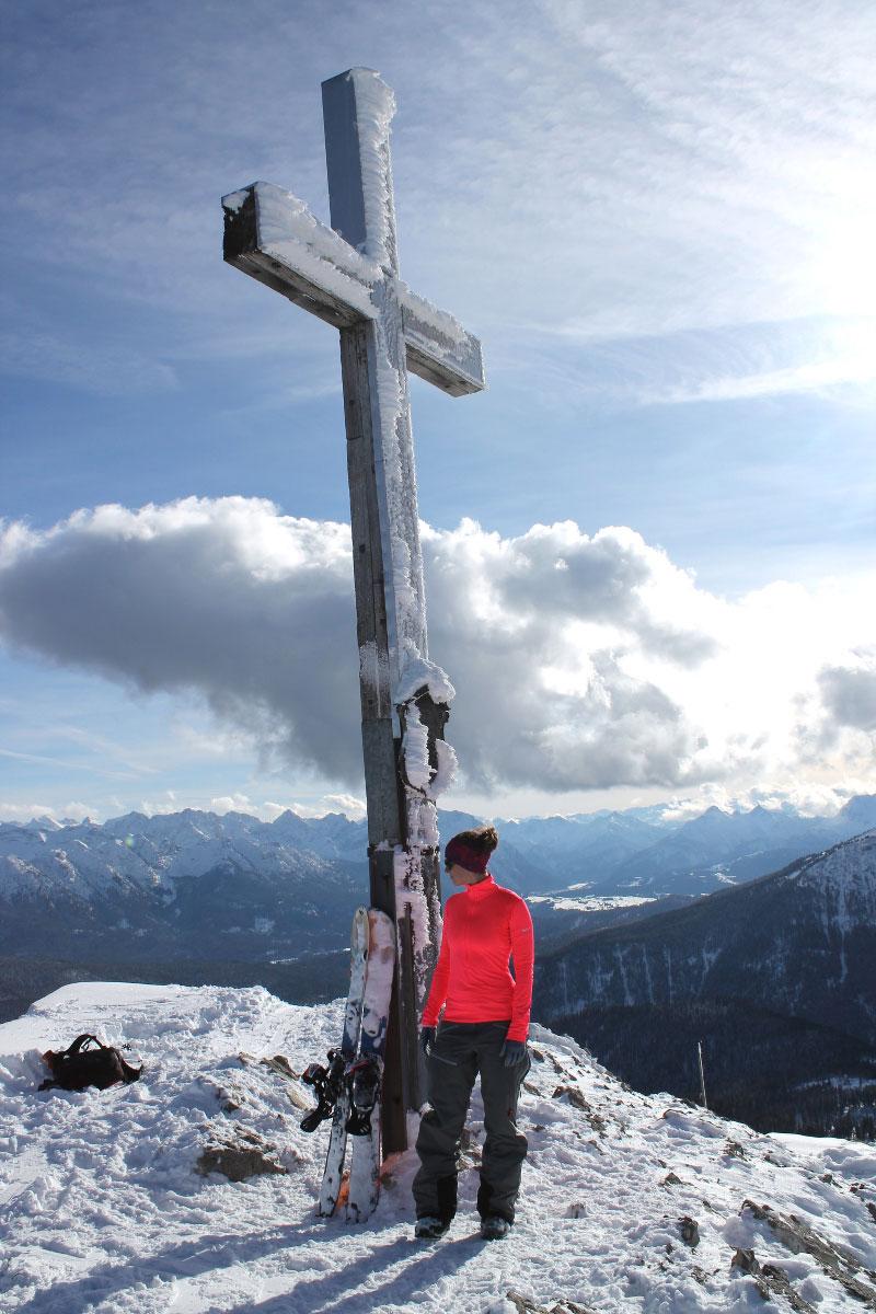 wildandfit-skitour-heimgarten-gipfel-aussicht-munichmountaingirls