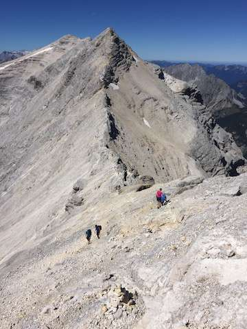 sandra-zeller-munichmountaingirls-birkkarspitze-karwendel-aufstieg-wandern