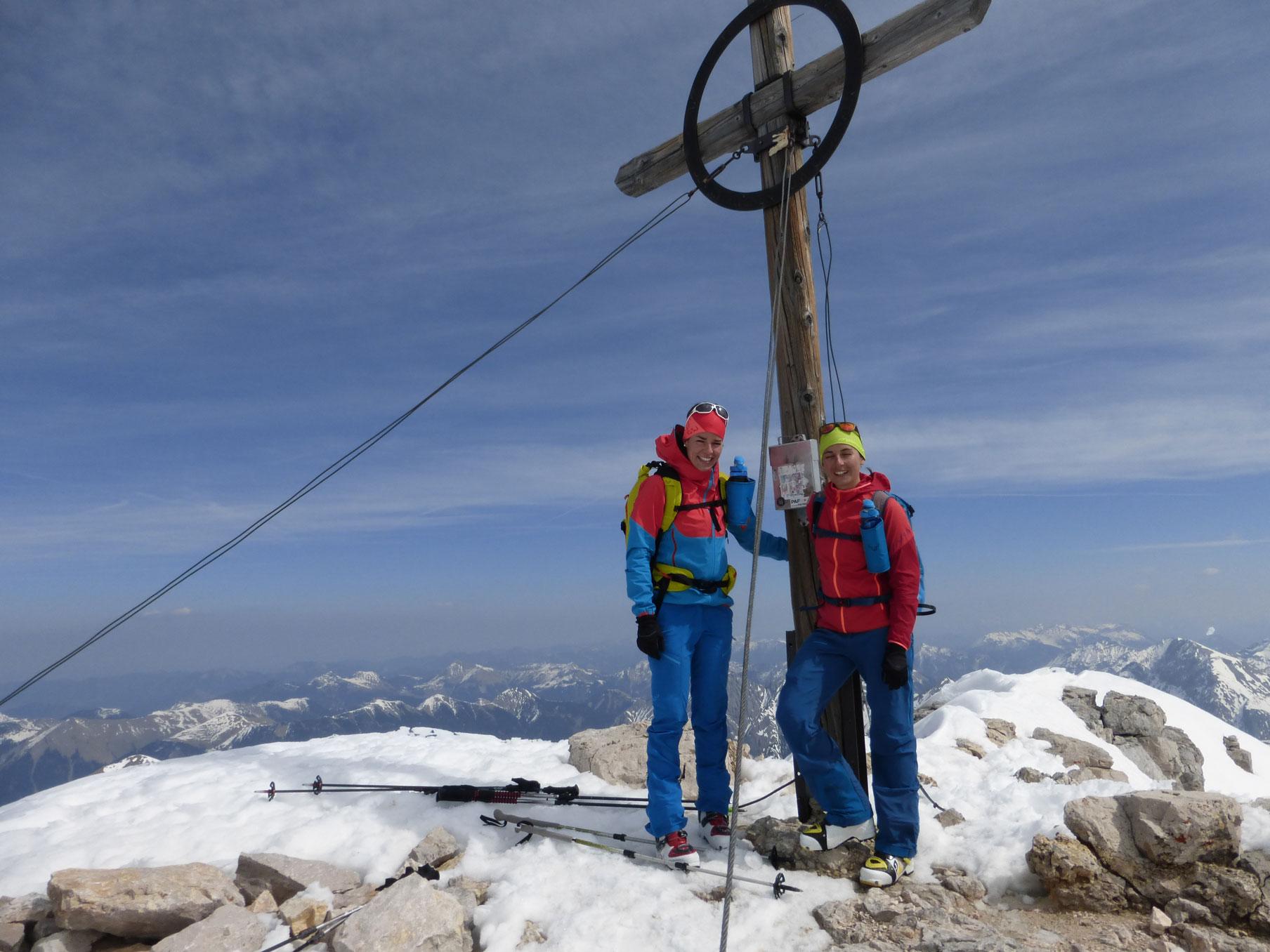 johanna-swatosch-munichmountaingirls-Birkarrspitze_gipfel-bergsteigen-wandern-karwendel