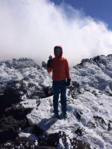 johanna-swatosch-munichmountaingirls-skitour-aetna-mit-Fruechtchen_Frage12
