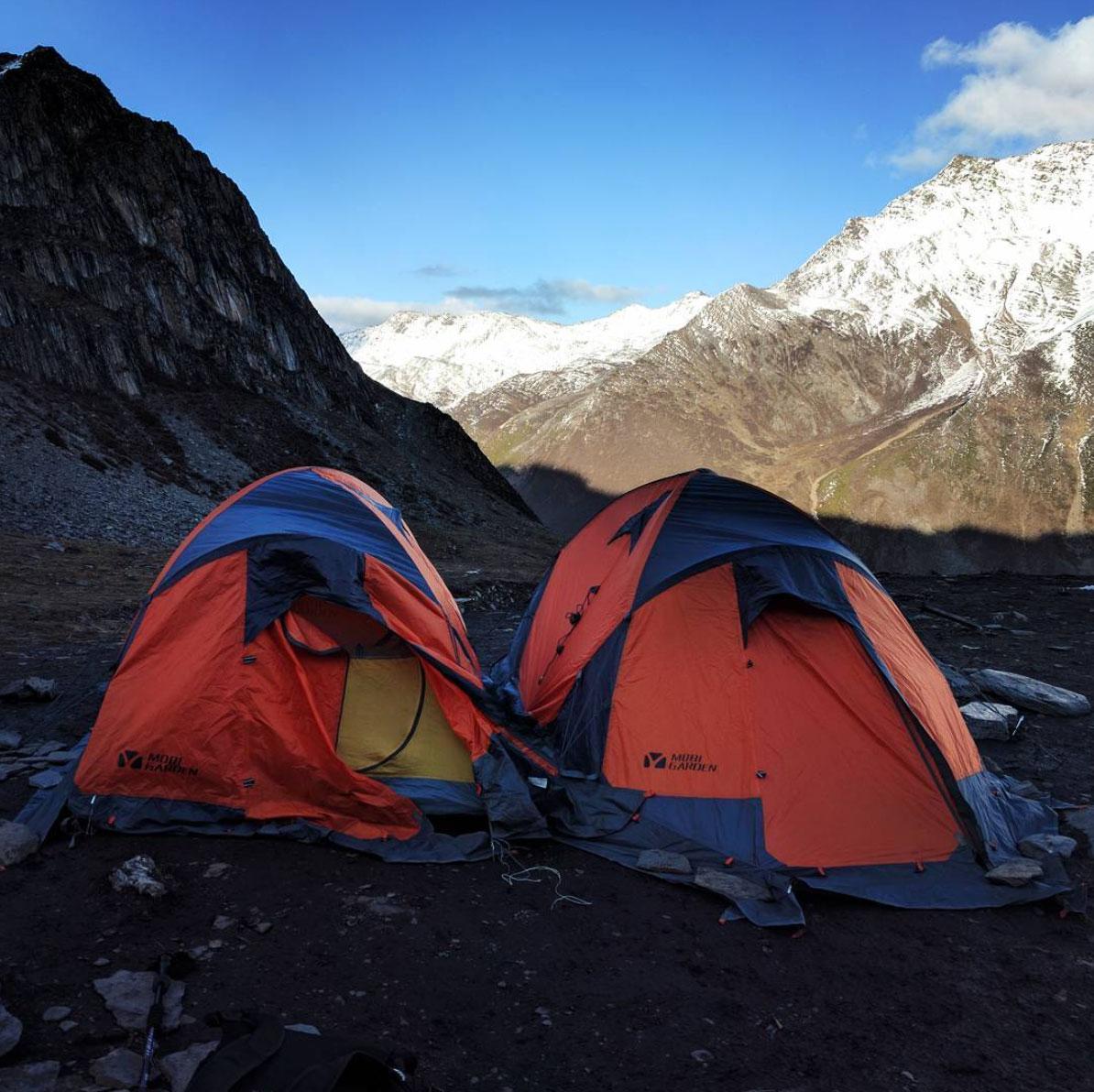 made-ziius-munichmountaingirls-campen-berge-sichuan-erfang-basecamp-china
