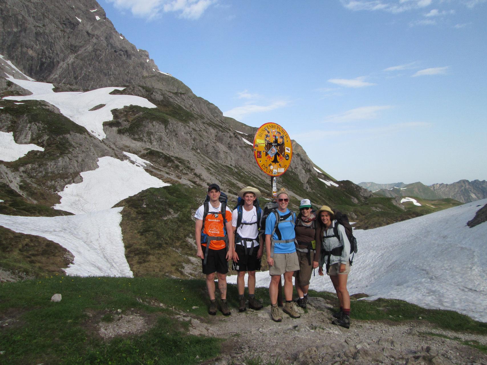 anna-grillmaier-munichmountaingirls-sommer-berge-wandern-e5-fernwanderweg-europa