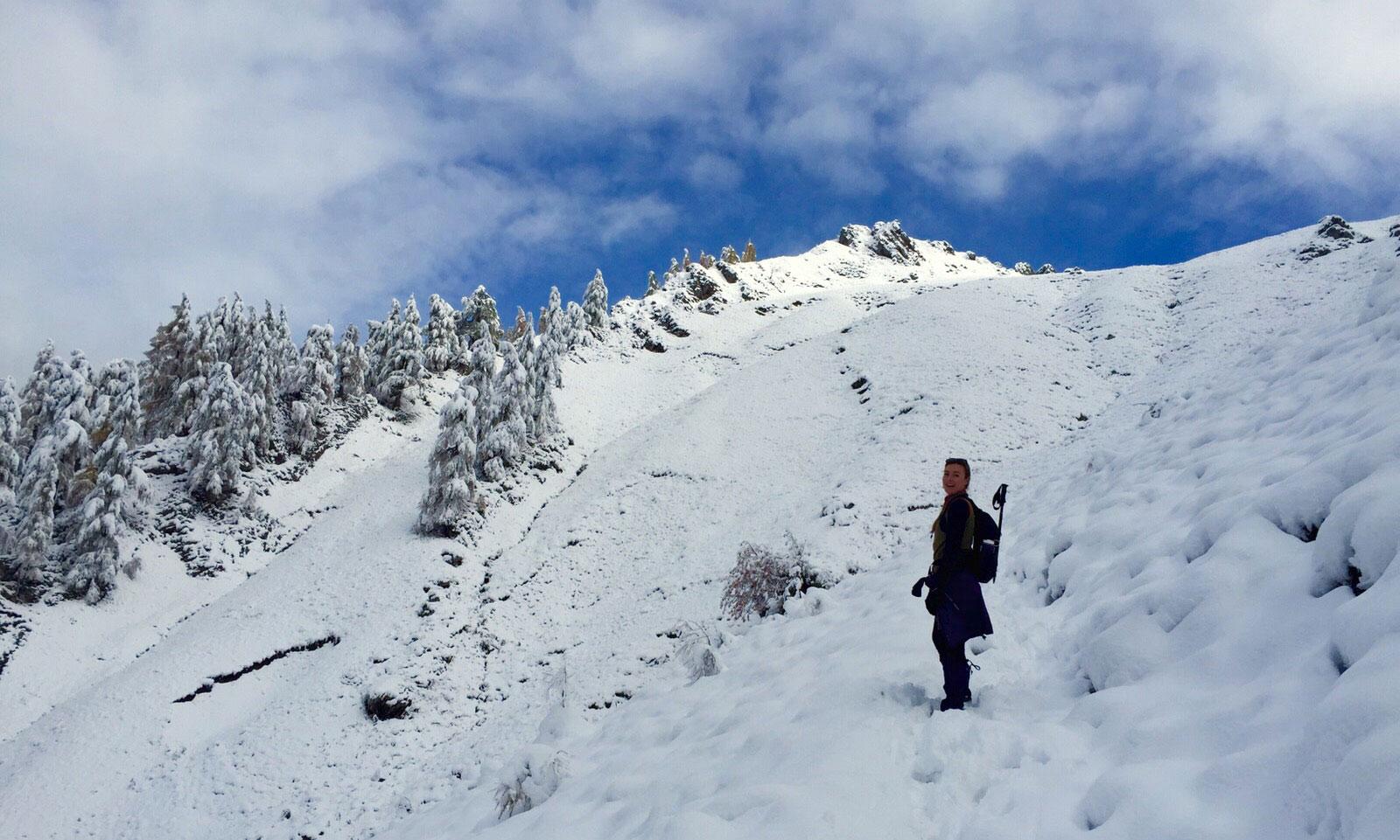munichmountaingirls-berg-blog-frauen-julia-topp-wandern-schnee-torscharte