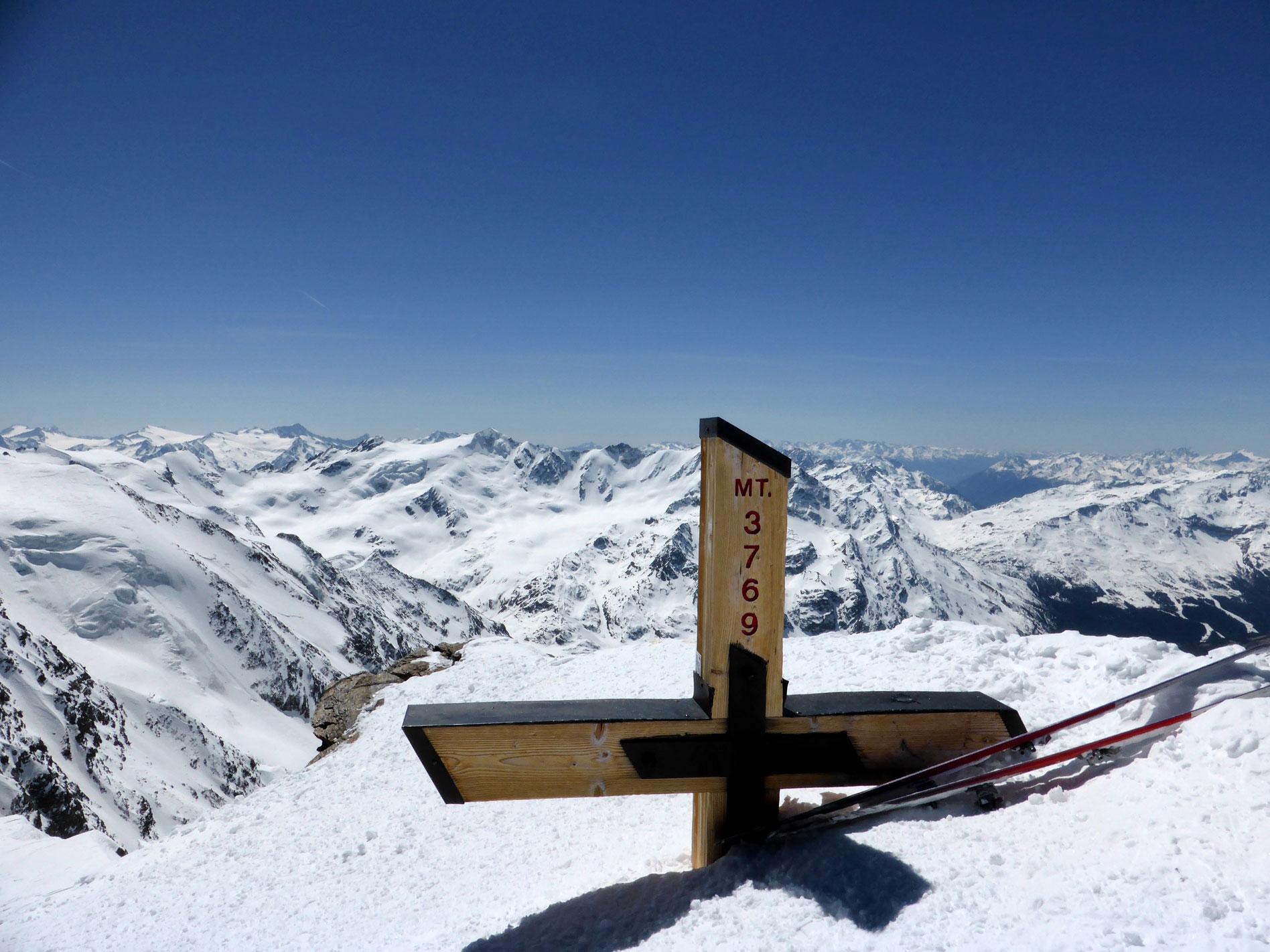 munichmountaingirls-melanie-brem-bergsteigen-schnee-hochtour-Monte-Cevedale