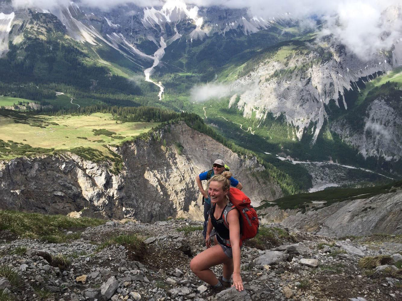 munichmountaingirls-hoehenangst-training-steinfalk-karwendel-falkenhuette-eva