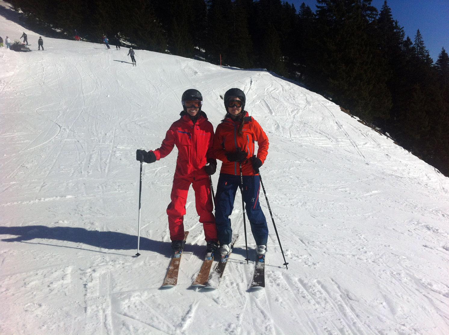 munichmountaingirls-lieberdraussen-bergblog-frauen-berge-melanie-barbara-ski-fahren-piste