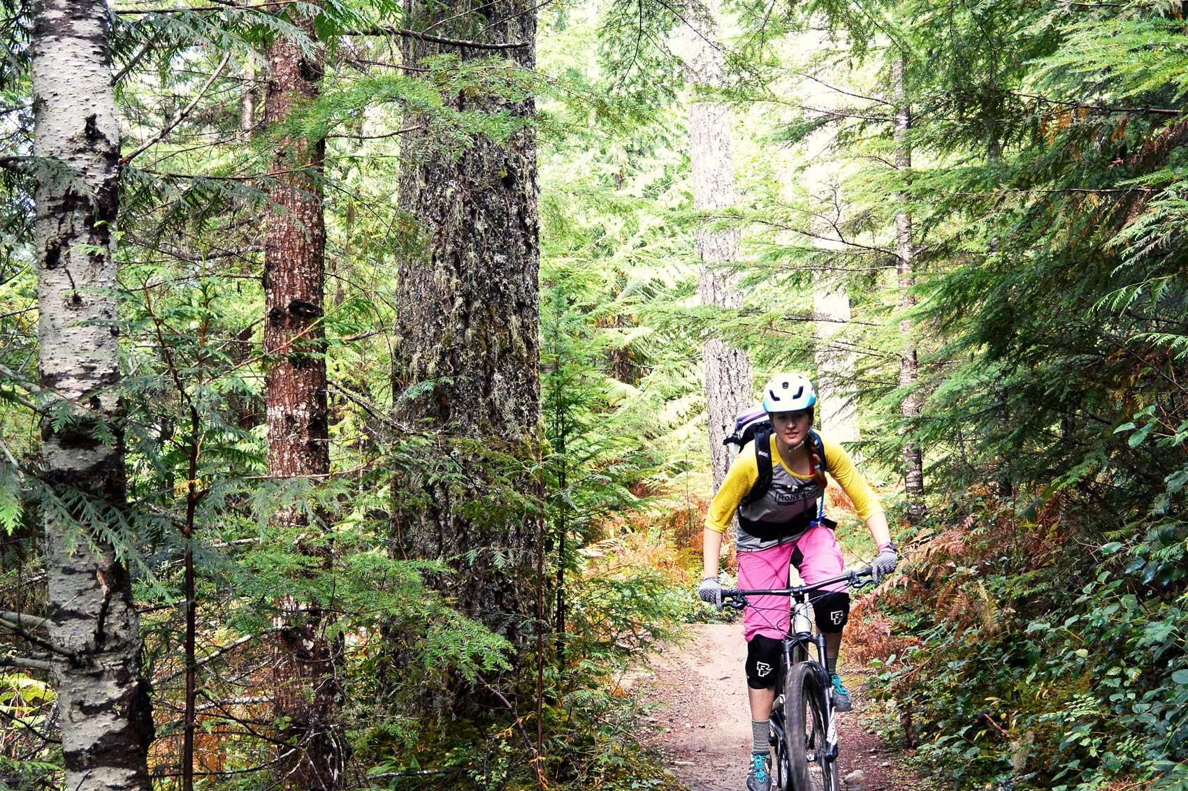 munich-mountain-girls-mtb-ausruestung-frauen-mountainbiken-bike-bekleidung-klamotten-damen