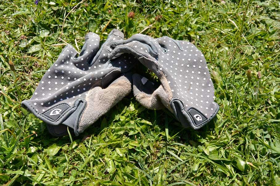 munich-mountain-girls-mtb-ausruestung-frauen-mountainbiken-bike-handschuhe