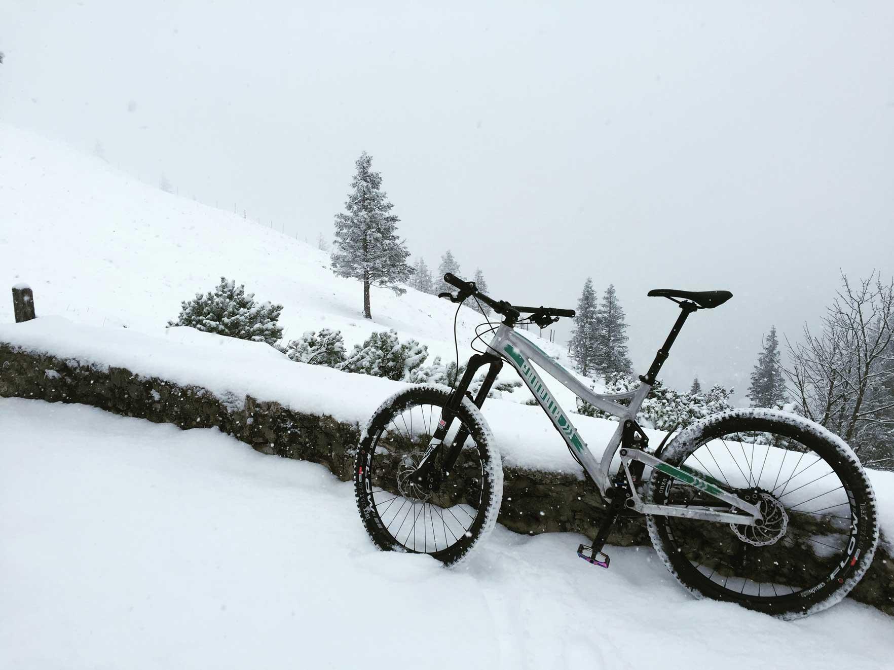 munich-mountain-girls-mtb-ausruestung-frauen-mountainbiken-enduro