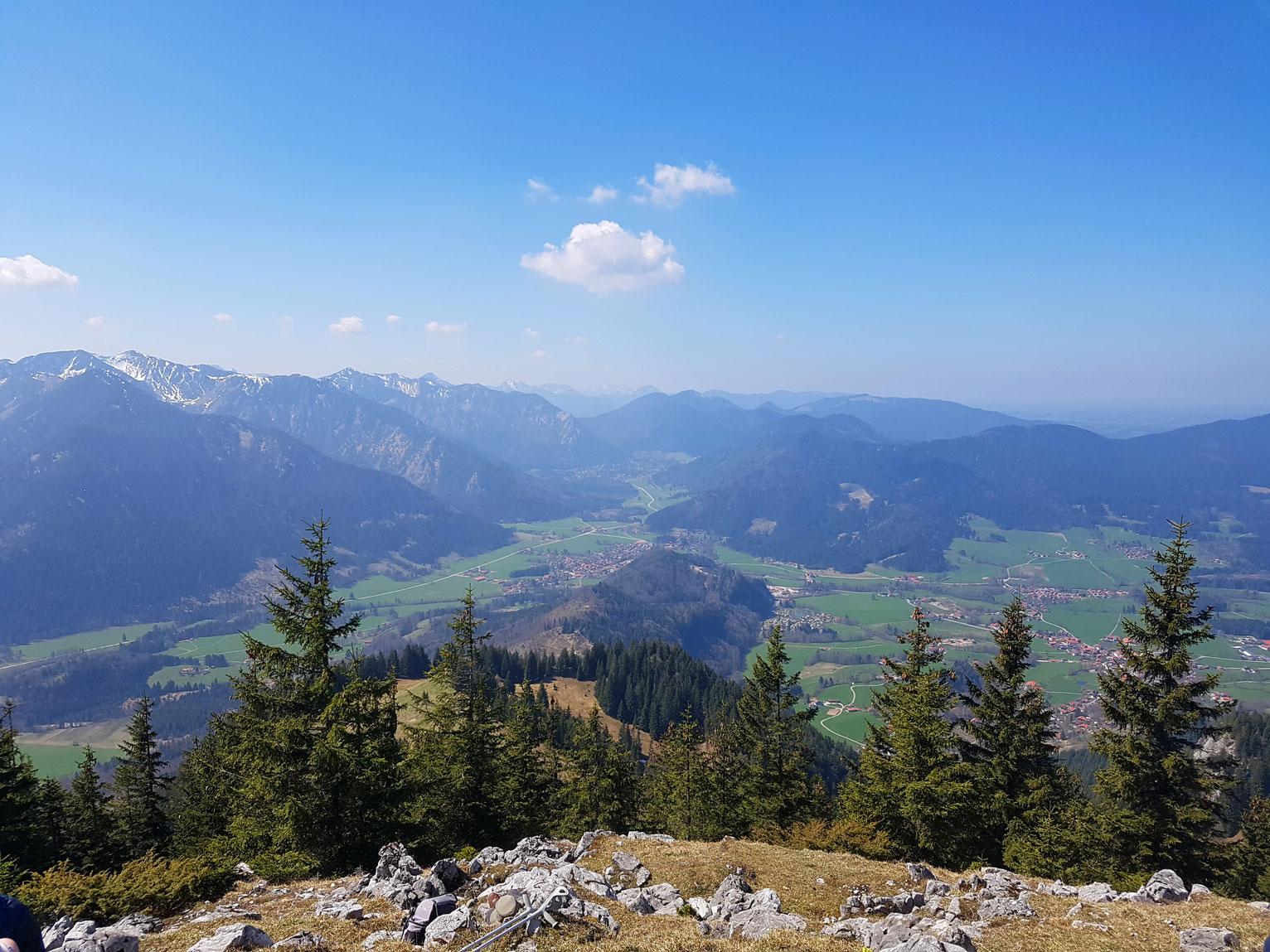 wandertipps-einsam-munichmountaingirls-sabrina-stadler-wanderung-schweinsberg-fischbachau-wandern