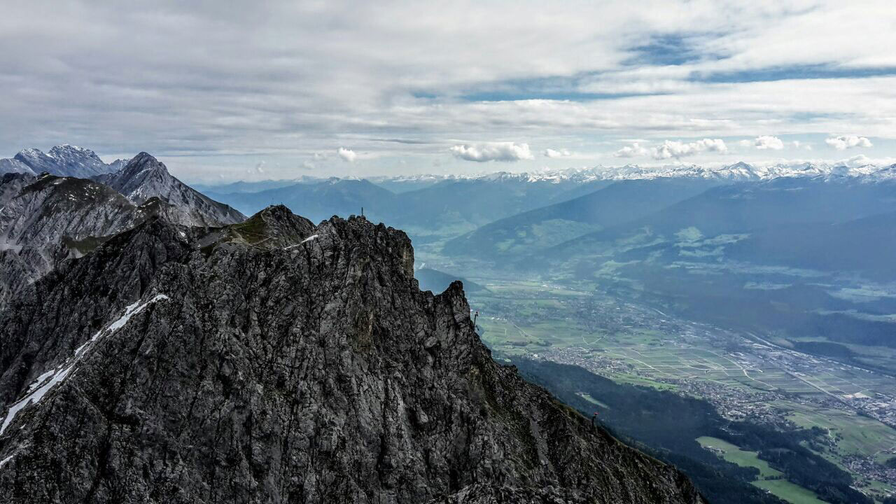 innsbrucker-panorama-klettersteig-munichmountaingirls-tourenbericht-aussicht-innsbruck-2