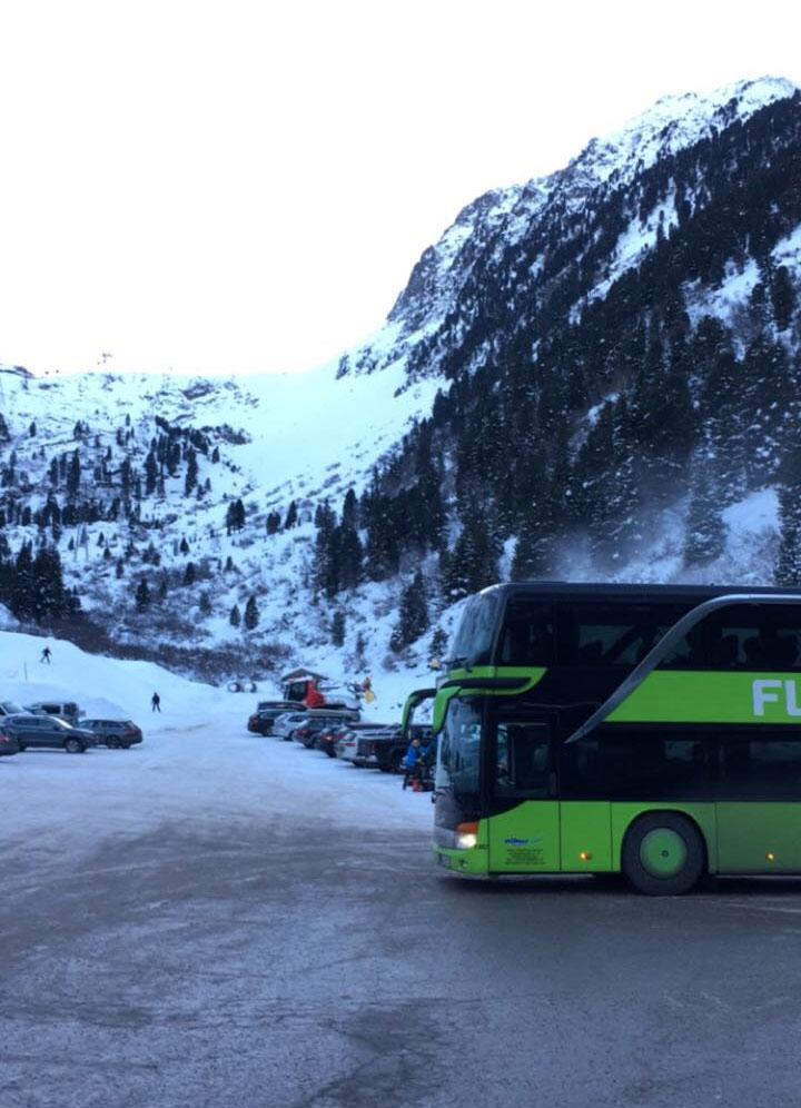 munichmountaingirls-flixbus-3-flixaufdiepiste-stubaier-gletscher
