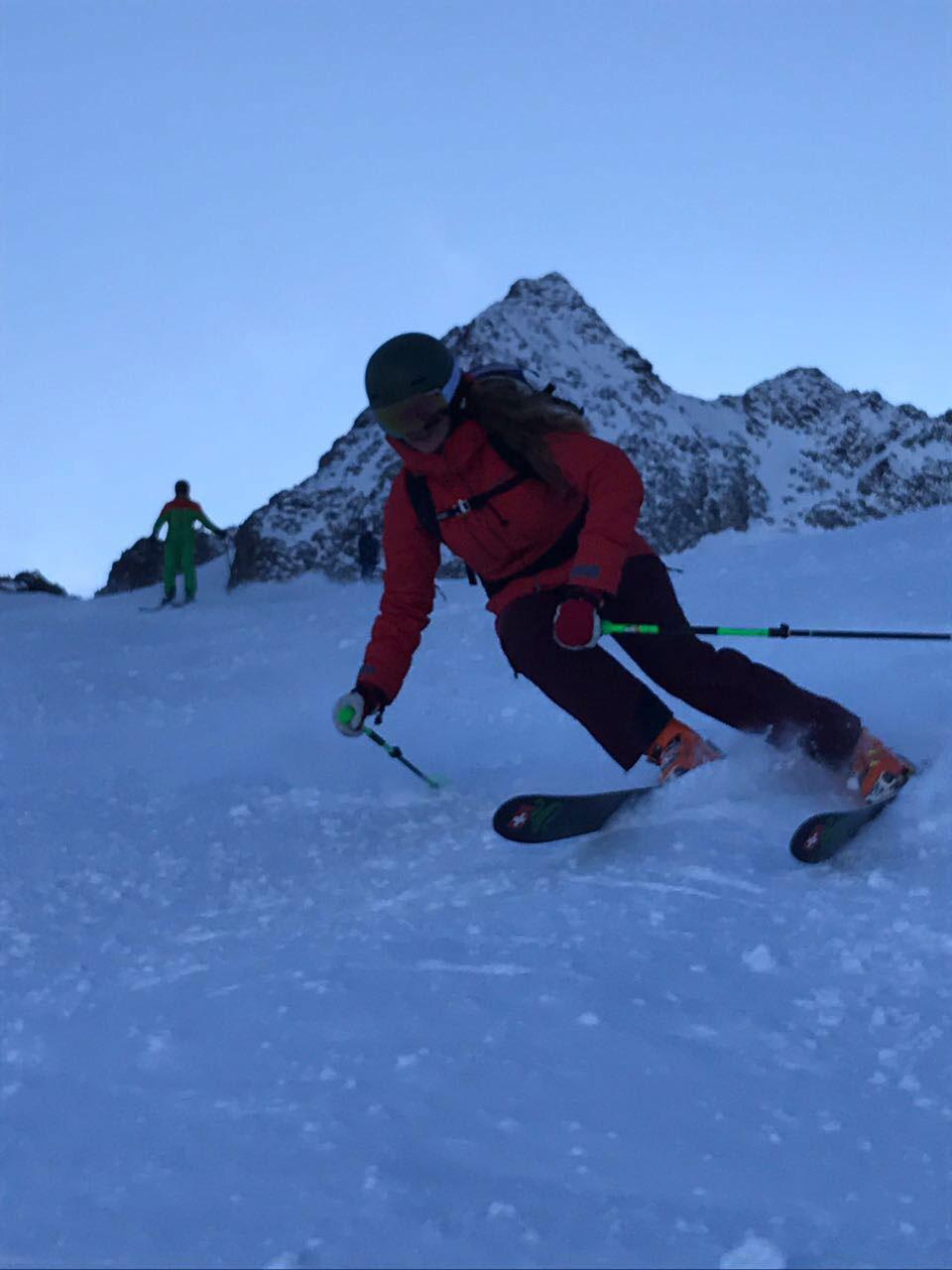 munichmountaingirls-lisa-skifahren-flixbus-3-flixaufdiepiste-stubaier-gletscher