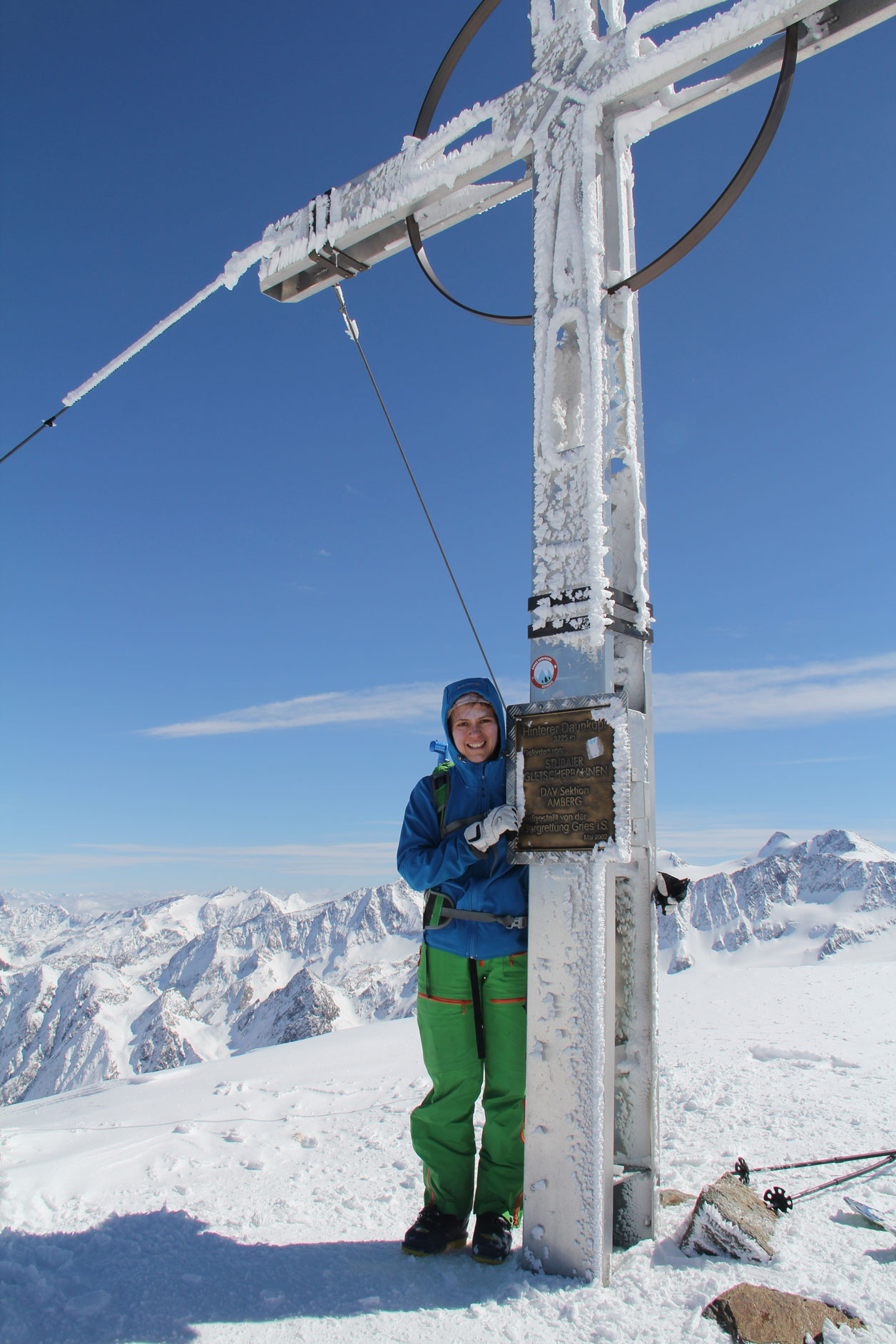 gipfel-skitour-Hinterer-Daunkopf-Stubaital-hanna-hoermann-munichmountaingirls