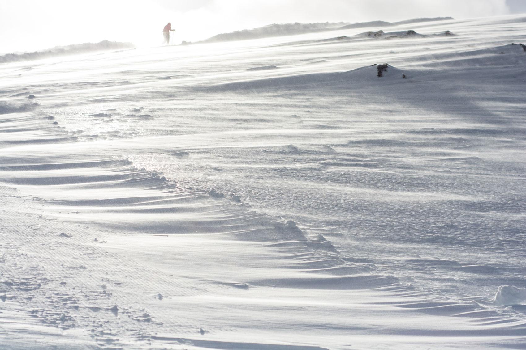 schneeverwehungen-dachstein-bergfoto-stefanie-ramb-krambeutel-munichmountaingirls