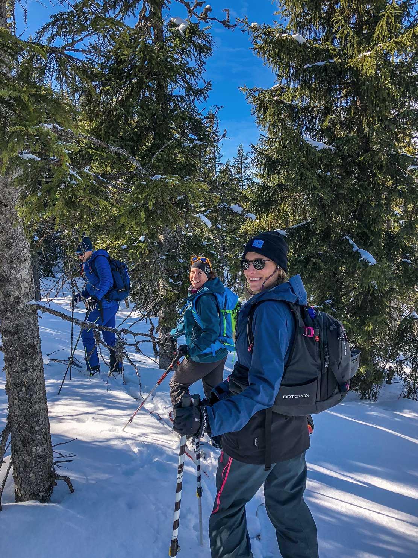 munichmountaingirls-wilder-kaiser-skitour-wald