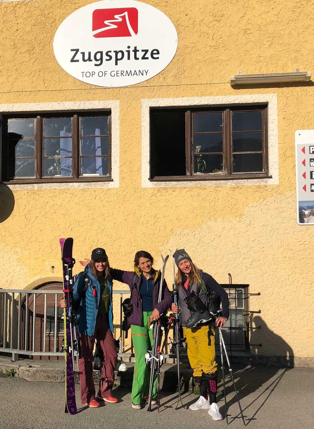 mit-dem-zug-skifahren-zugspitze-munichmountaingirls