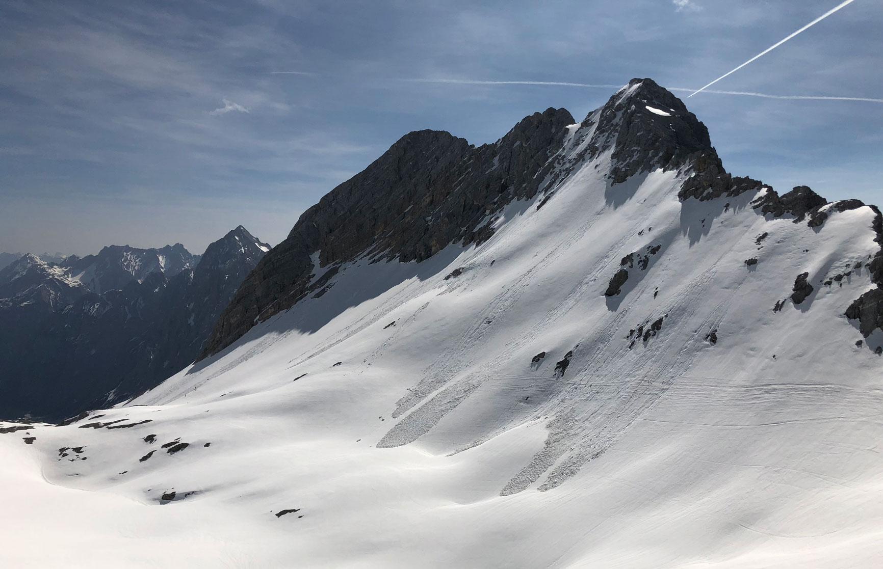 mit-der-bahn-zum-skifahren-berge-munichmountaingirls