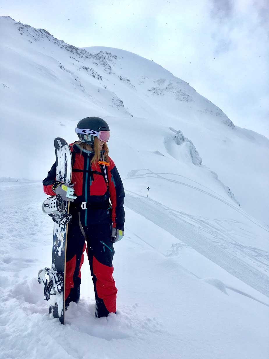 celine-rudolph-freeriden-kaunertal-snowboard-munichmountaingirls