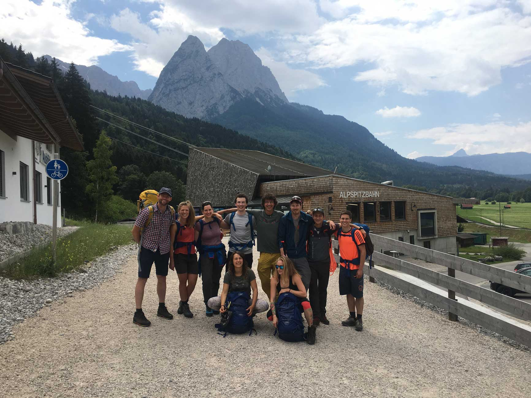 bergzeit-alpin-camp-munichmountaingirls-gruppenbild