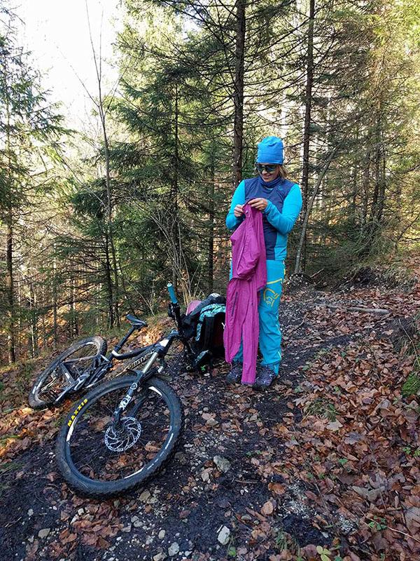 Mountainbike Packliste Bekleidung Uebergangszeit