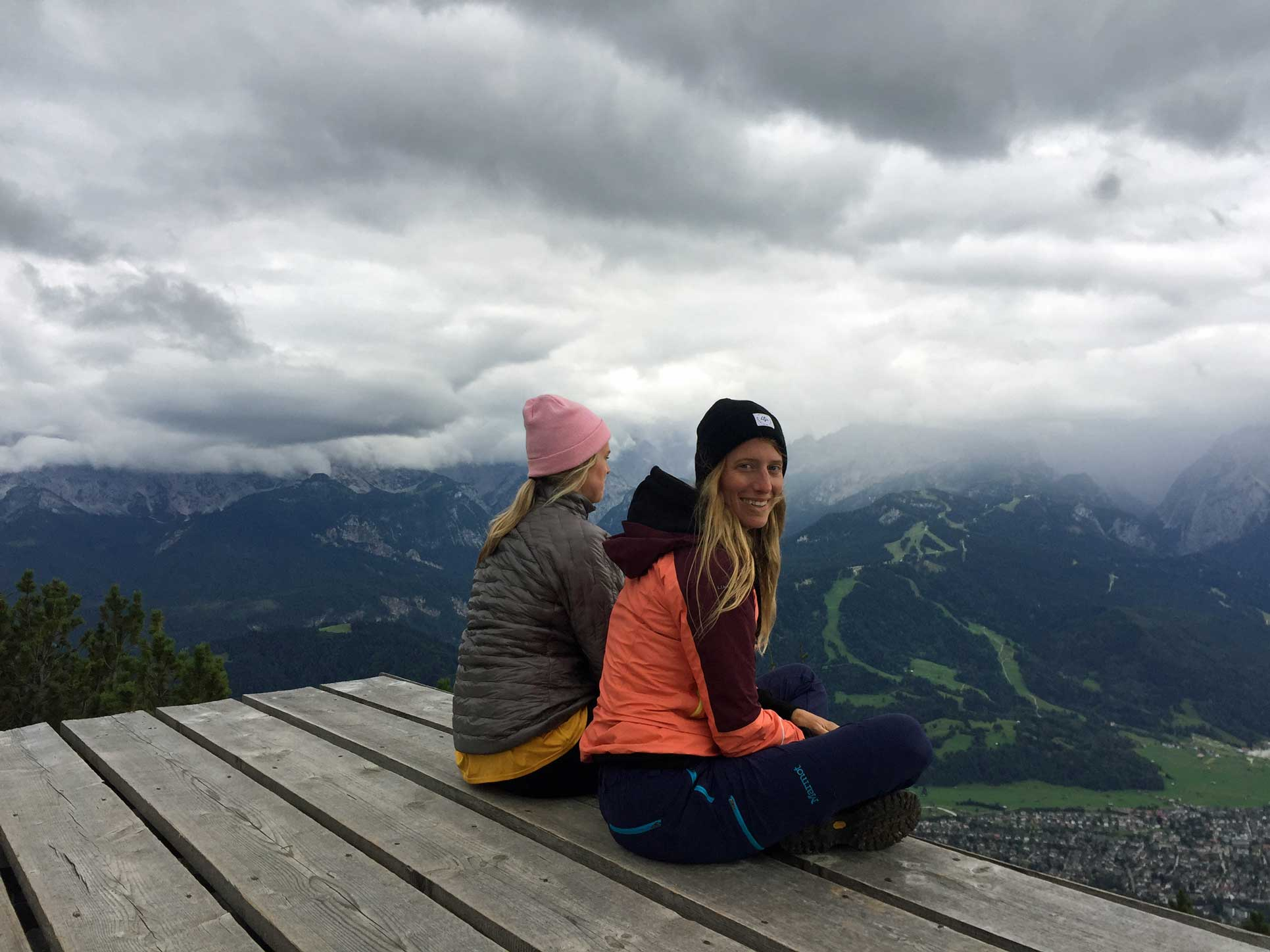 munichmountaingirls-wank-berg-aussicht