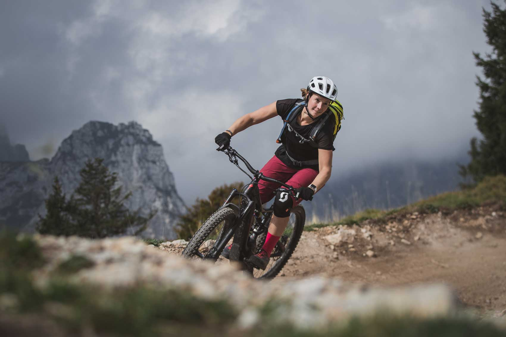 Katharina-mountainbiken-molveno-munichmountaingirls