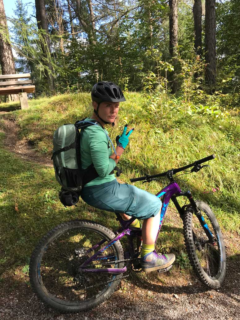 kaddi-2-mountainbiken-tiroler-zugspitz-arena-munichmountaingirls