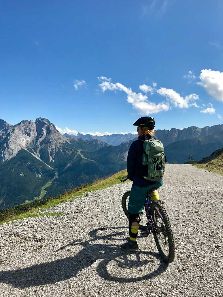 kaddi-mountainbiken-tiroler-zugspitz-arena-munichmountaingirls