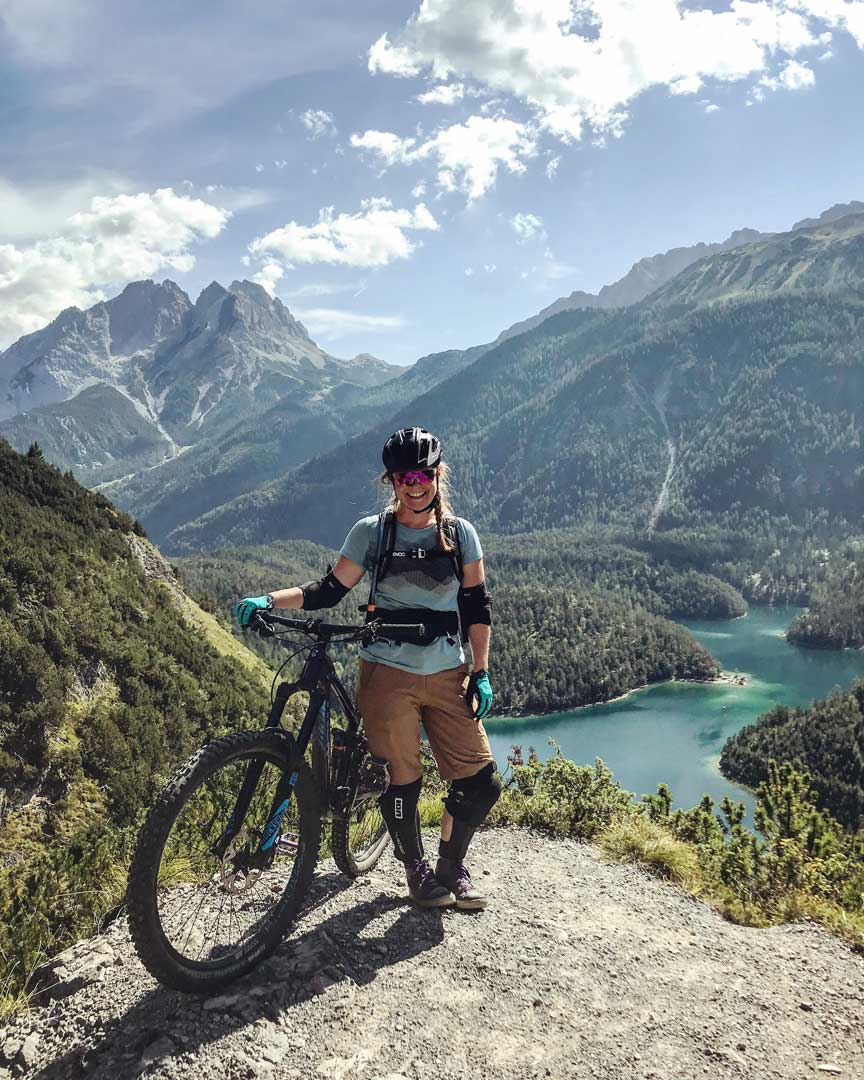 katharina-kestler-mountainbiken-tiroler-zugspitz-arena-munichmountaingirls