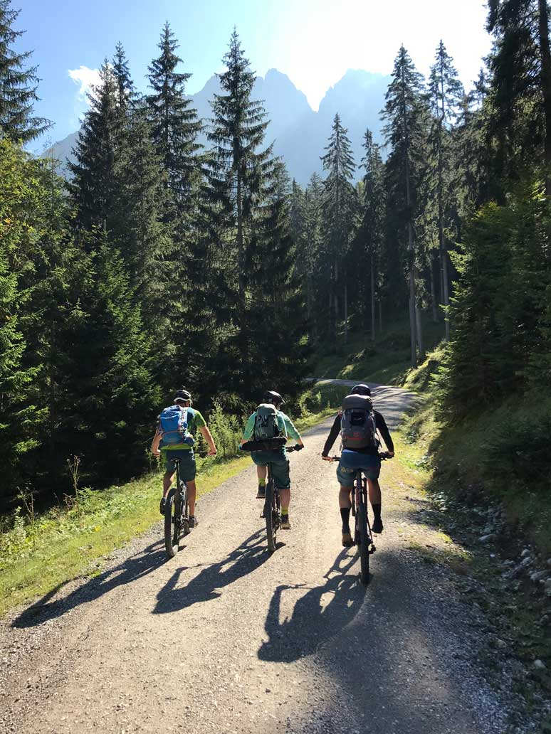 mountain-biken-2-tiroler-zugspitz-arena-munichmountaingirls